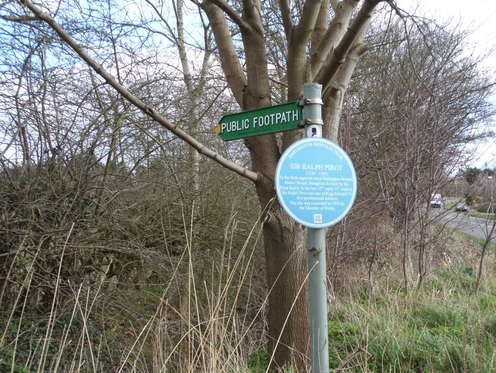 harlington-blue-plaque-sir-ralph-pirot
