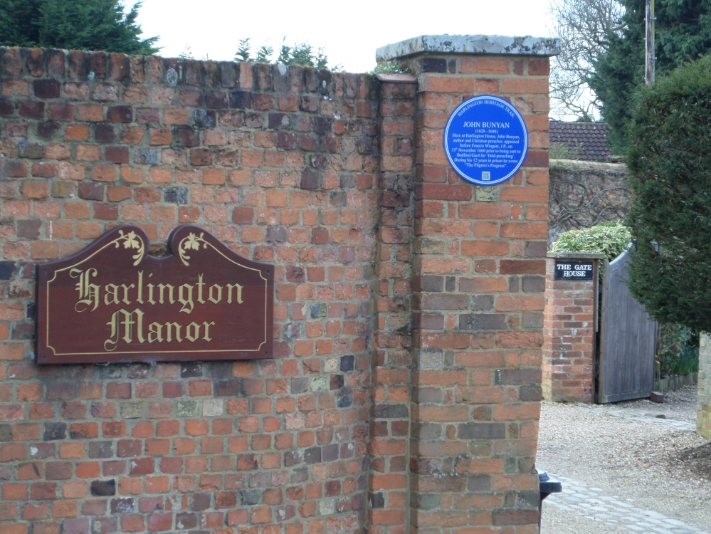 harlington-manor-blue-plaque