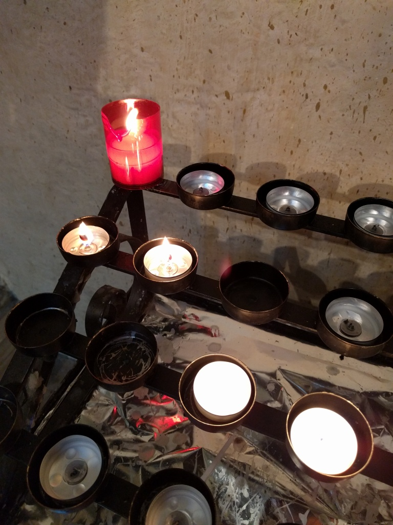 rochester-cathedral-candle-for-john