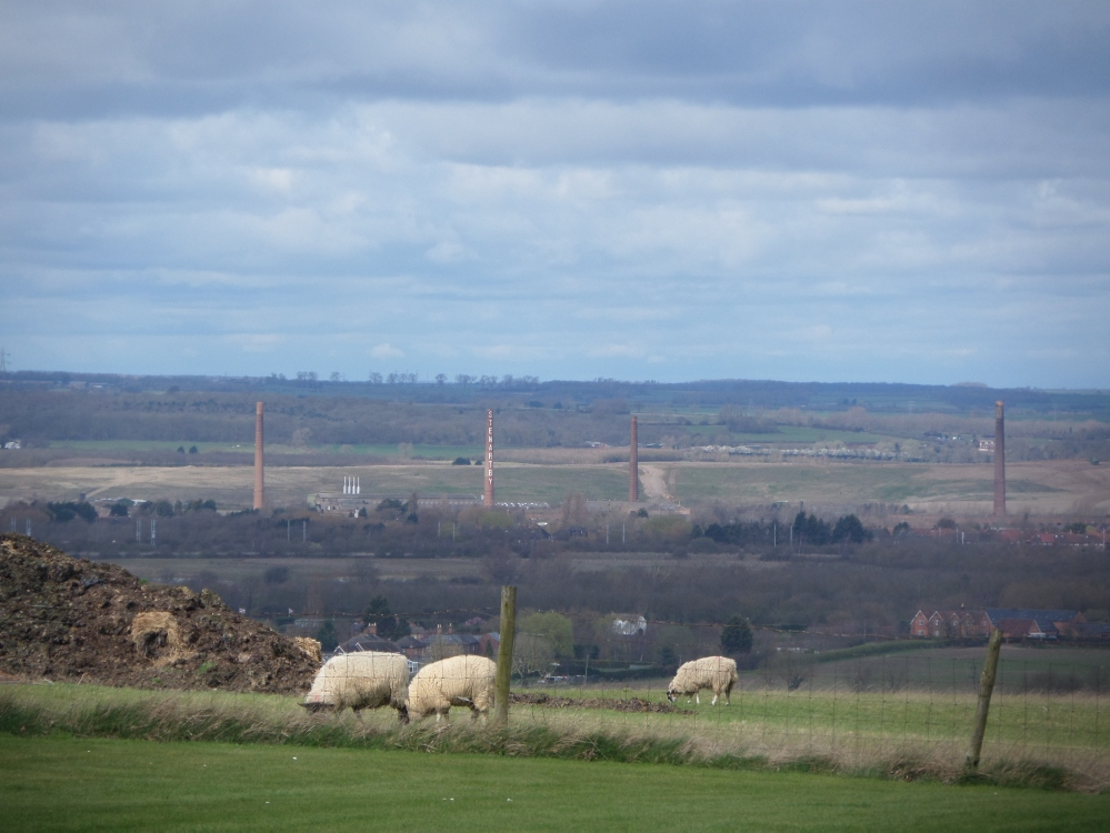 distant-view-of-stewartby-bricworks